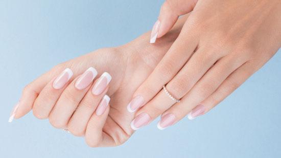 Pielęgnacja paznokci podczas stosowania stylizacji hybrydowych