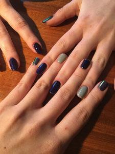 Manicure hybrydowy w domu - jakie lakiery wybrać?
